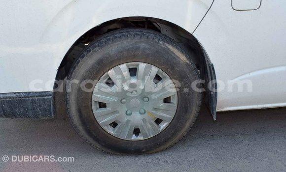 Acheter Importé Voiture Toyota Hiace Blanc à Import - Dubai, Togo