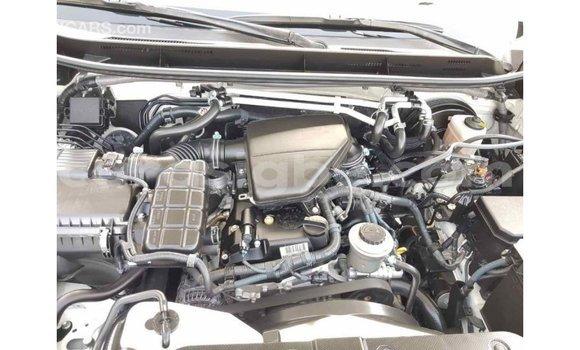 Acheter Importé Voiture Toyota Prado Blanc à Import - Dubai, Togo