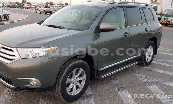 Acheter Importé Voiture Toyota Highlander Vert à Import - Dubai, Togo
