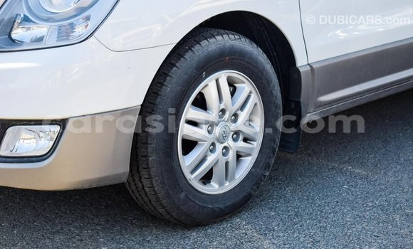 Acheter Importé Utilitaire Hyundai Chorus Blanc à Import - Dubai, Togo
