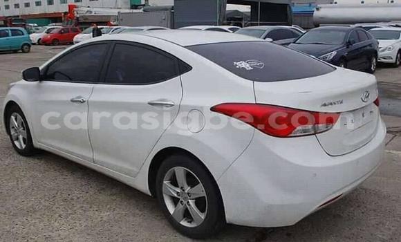 Acheter Occasion Voiture Hyundai Elantra Blanc à Lomé, Togo
