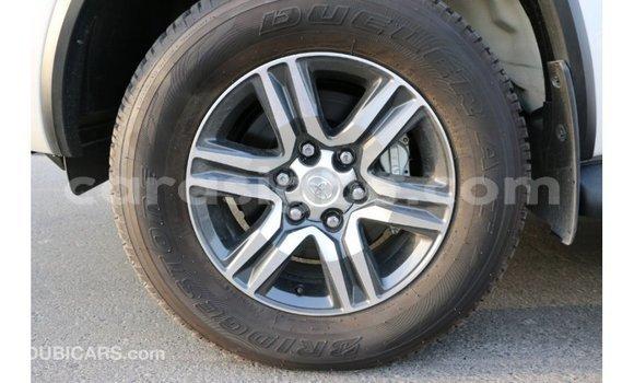 Acheter Importé Voiture Toyota Fortuner Noir à Import - Dubai, Togo