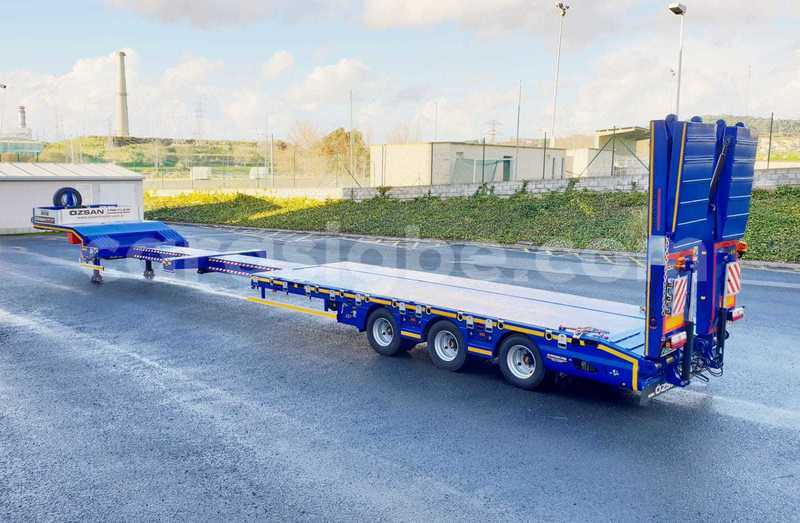 Big with watermark 3 axle lowbed ex fol ramps blue 12