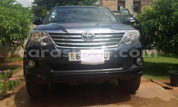 Acheter Occasions Voiture Toyota Fortuner Noir à Lomé au Togo