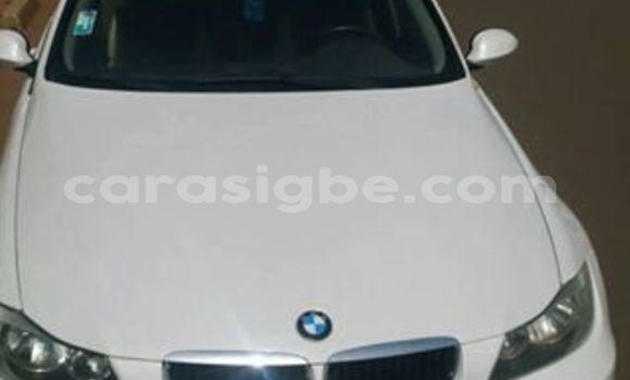 Acheter Occasion Voiture BMW 3-Series Blanc à Lomé au Togo