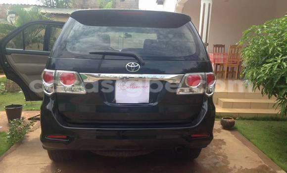 Acheter Occasion Voiture Toyota Fortuner Noir à Adawlato, Togo