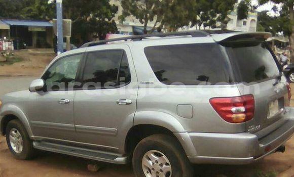 Acheter Occasion Voiture Toyota Sequoia Gris à Adawlato au Togo