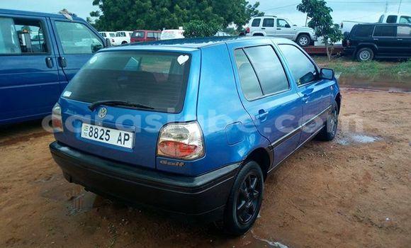Acheter Occasion Voiture Volkswagen Golf Bleu à Adawlato au Togo