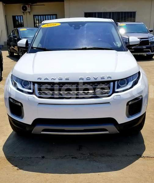 Big with watermark land rover range rover evoque togo lom%c3%a9 4492