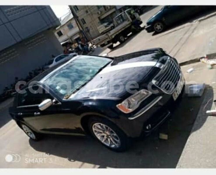 Big with watermark chrysler 300 togo lom%c3%a9 4535