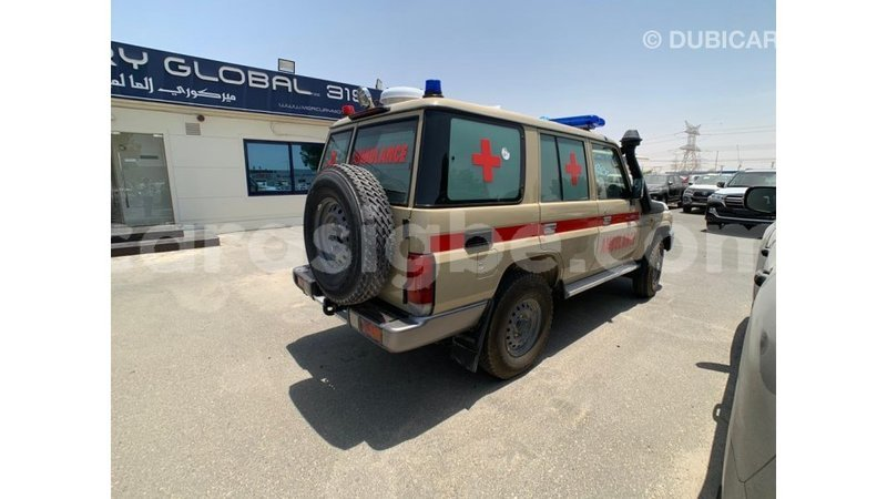 Big with watermark toyota land cruiser togo import dubai 4665