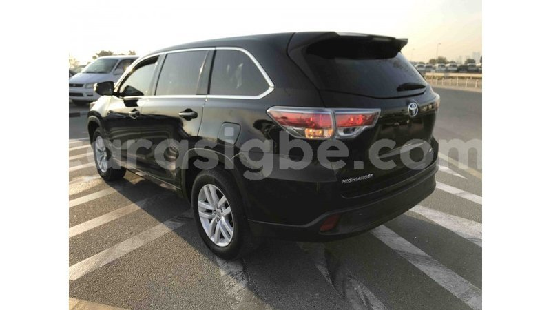 Big with watermark toyota highlander togo import dubai 4759