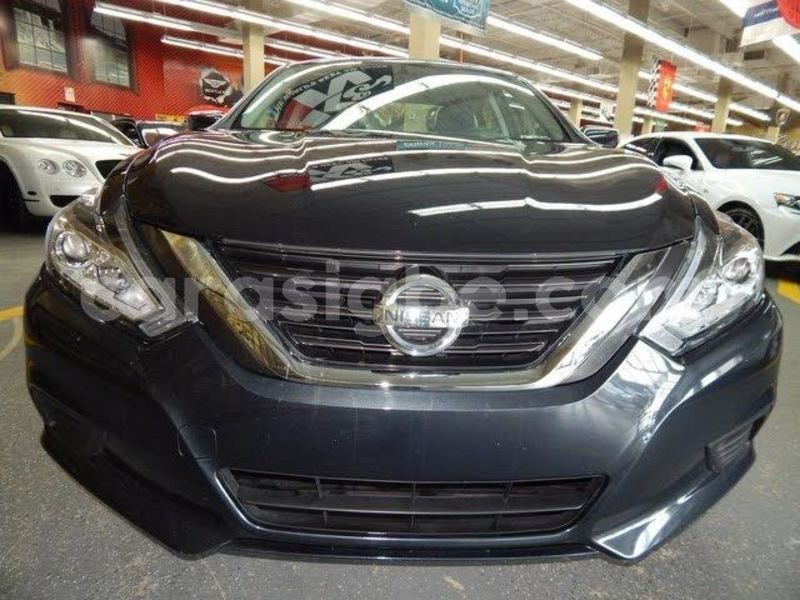 Big with watermark nissan altima togo atakpam%c3%a9 4787