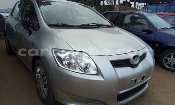 Acheter Occasion Voiture Toyota Auris Gris à Adawlato au Togo