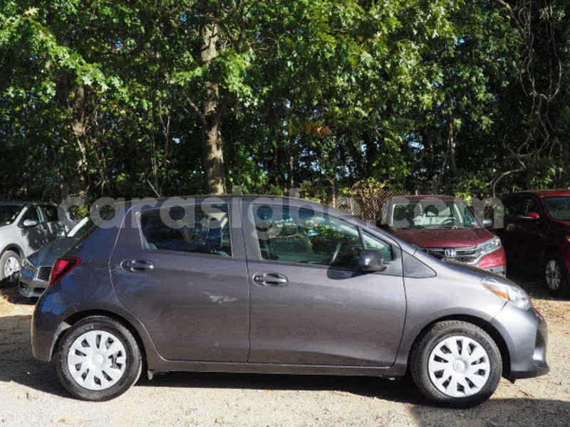 Big with watermark toyota yaris togo lom%c3%a9 4855