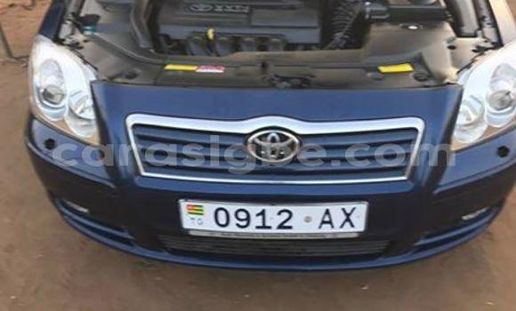 Acheter Occasion Voiture Toyota Avensis Bleu à Adawlato au Togo