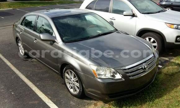 Acheter Occasion Voiture Toyota Avalon Marron à Lomé au Togo