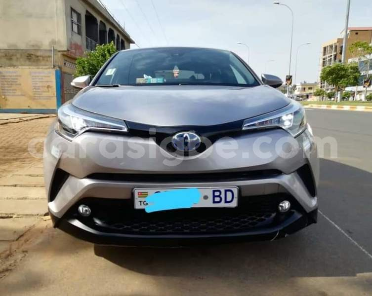 Big with watermark toyota c hr maritime lome 5039