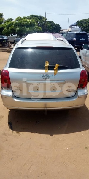 Big with watermark toyota avensis togo be 5047