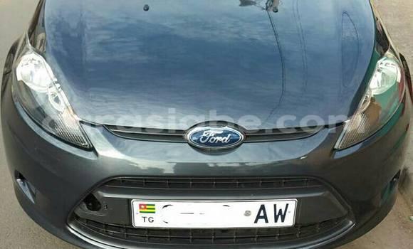 Acheter Occasion Voiture Ford Fiesta Gris à Lomé au Togo