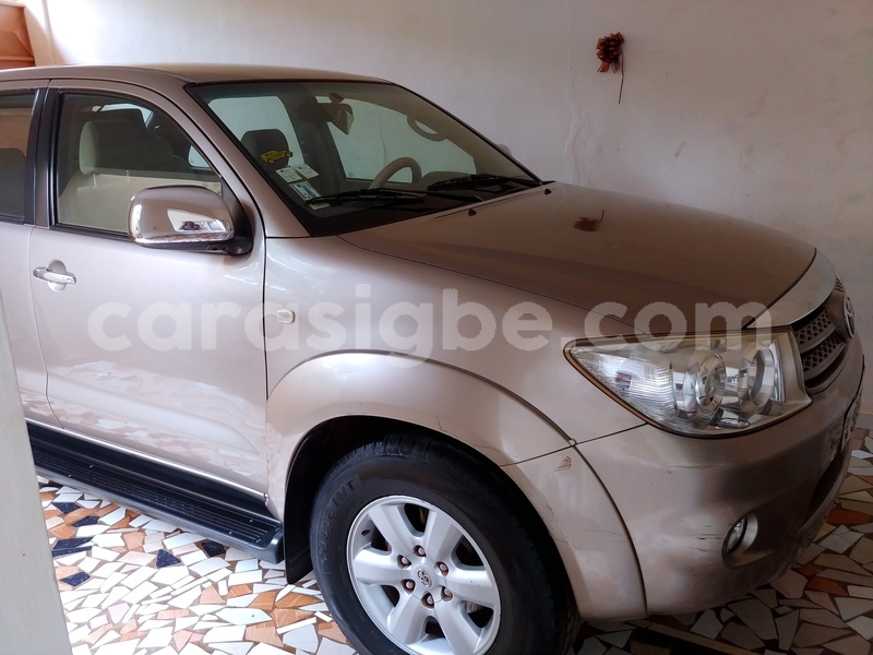 Big with watermark toyota fortuner togo lome 5144