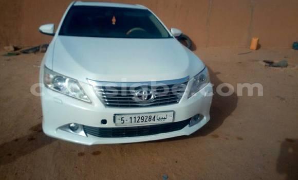 Acheter Neuf Voiture Toyota Camry Blanc à Lomé au Togo
