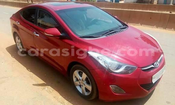 Acheter Occasion Voiture Hyundai Elantra Rouge à Lomé au Togo