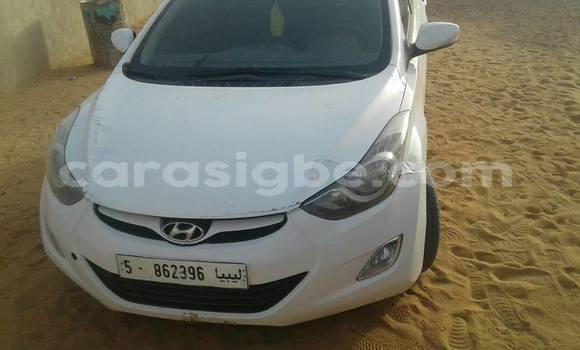 Acheter Occasion Voiture Hyundai Elantra Blanc à Lomé au Togo