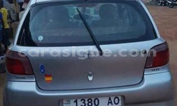 Acheter Occasion Voiture Toyota Yaris Gris à Adawlato au Togo