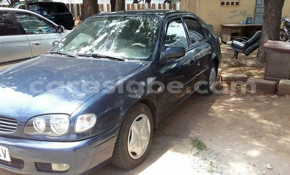Acheter Occasion Voiture Toyota Corolla Bleu à Adawlato, Togo