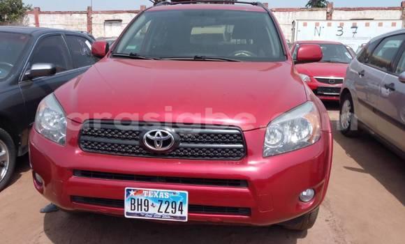 Acheter Occasion Voiture Toyota RAV4 Rouge à Lomé au Togo