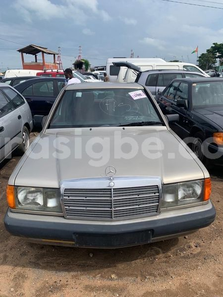 Big with watermark mercedes viano maritime lome 5949