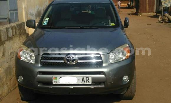 Acheter Occasion Voiture Toyota RAV4 Gris à Lomé au Togo