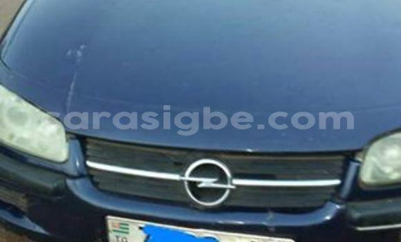 Acheter Occasion Voiture Opel Omega Bleu à Lomé au Togo