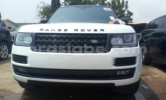 Buy Used Land Rover Range Rover Vogue White Car in Lome in Togo