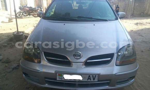 Buy Used Nissan Tino Silver Car in Lome in Togo