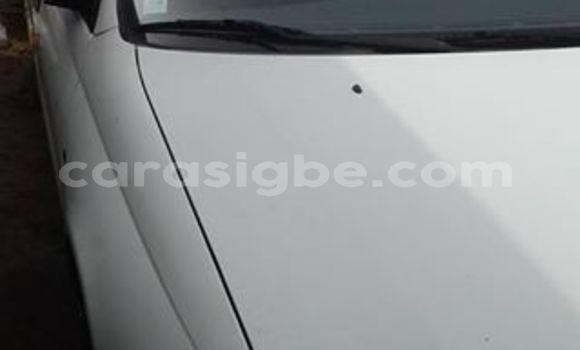 Acheter Occasion Voiture Toyota Carina Blanc à Lomé, Togo