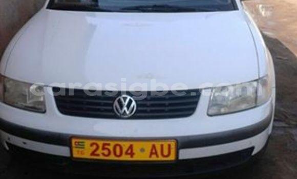 Acheter Occasion Voiture Volkswagen Passat Blanc à Lomé, Togo
