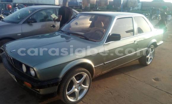 Acheter Occasion Voiture BMW E30 Gris à Lomé au Togo