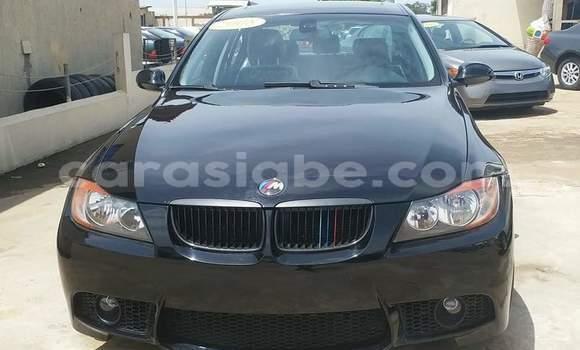 Acheter Occasion Voiture BMW 328i Noir à Lomé au Togo