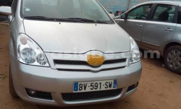 Acheter Occasion Voiture Toyota Verso Gris à Lomé, Togo