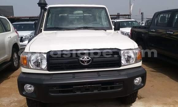Acheter Occasion Voiture Toyota Land Cruiser Blanc à Lomé, Togo