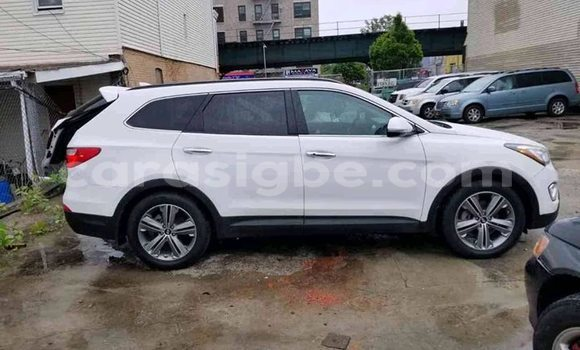 Acheter Occasion Voiture Hyundai Santa Fe Blanc à Lomé, Togo