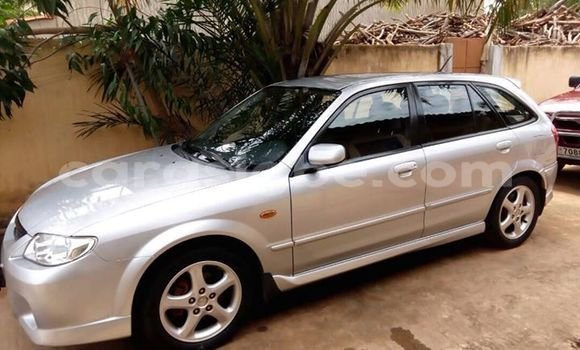 Acheter Occasion Voiture Mazda 323 Gris à Lomé au Togo