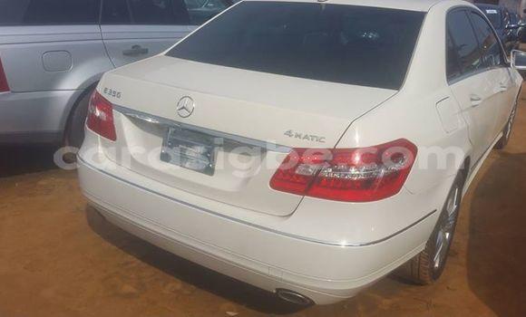 Acheter Occasions Voiture Mercedes‒Benz E-Class Blanc à Lomé au Togo