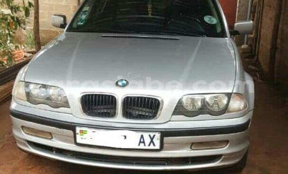 Acheter Occasions Voiture BMW 3-Series Gris à Lomé au Togo
