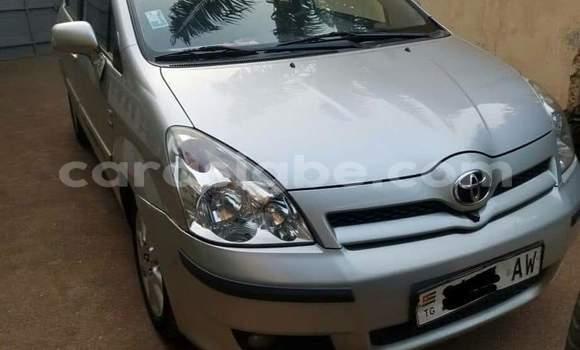 Acheter Occasions Voiture Toyota Corolla Gris à Lomé au Maritime