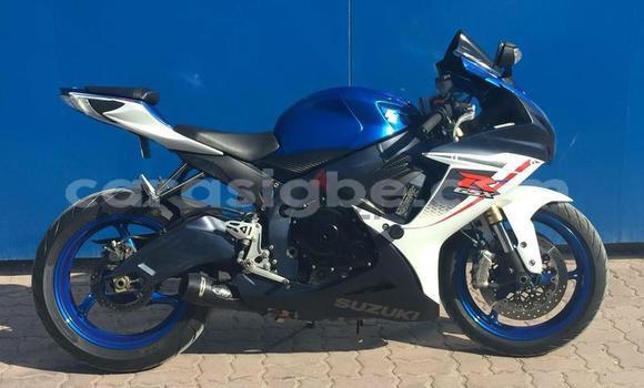 Acheter Occasions Moto Suzuki GSX–R Bleu à Mangue au Savanes