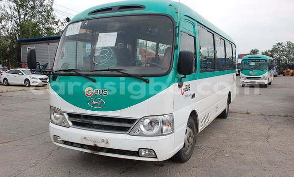 Acheter Occasion Voiture Hyundai H1 Vert à Lomé, Maritime