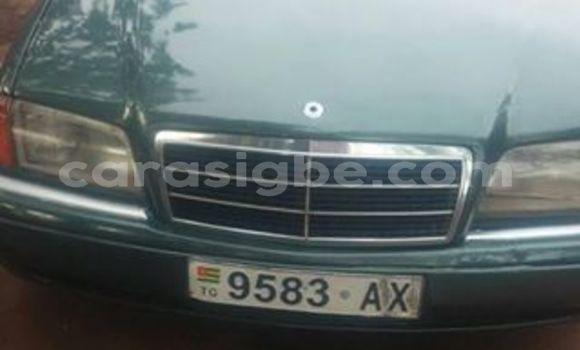 Acheter Importé Voiture Mercedes‒Benz C–Class Vert à Lomé, Maritime